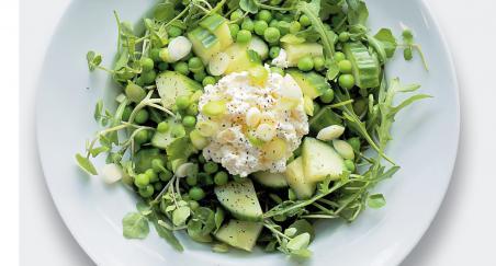 Salata - svježi kravlji sir, grašak i krastavci - PROČITAJTE