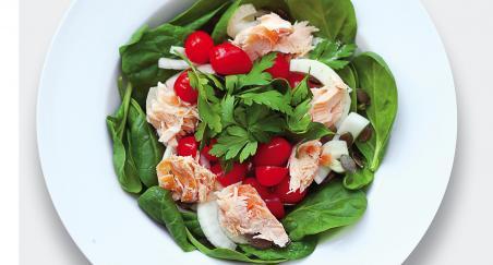 Salata prženi losos, koromač i špinat - PROČITAJTE