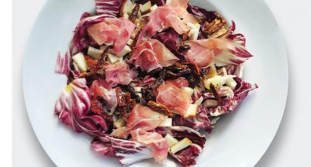 Salata -pršut, mozzarella, sušene rajčice i radič - PROČITAJTE