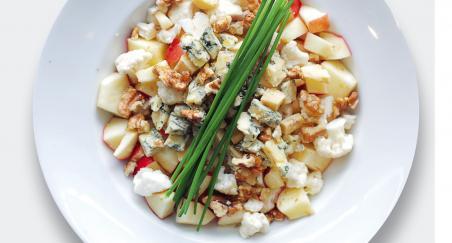 Salata - plemeniti sir, jabuka, cvjetača i orasi - PROČITAJTE