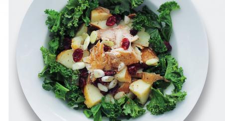 Salata dimljena skuša, pečeni krumpiri i kelj - PROČITAJTE