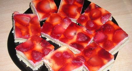 Kolač sa jagodama