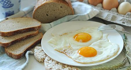 Pečena jaja na oko - PROČITAJTE
