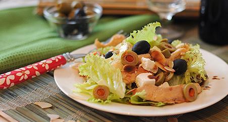 Salata s puretinom - slika