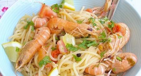 Špageti sa škampima na buzaru - PROČITAJTE